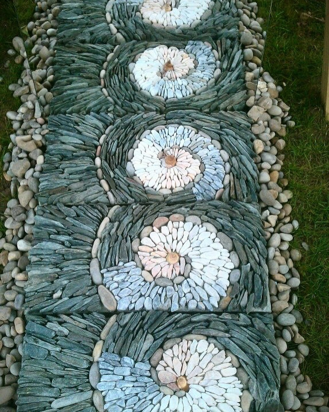 Дорожки из природного камня своими руками
