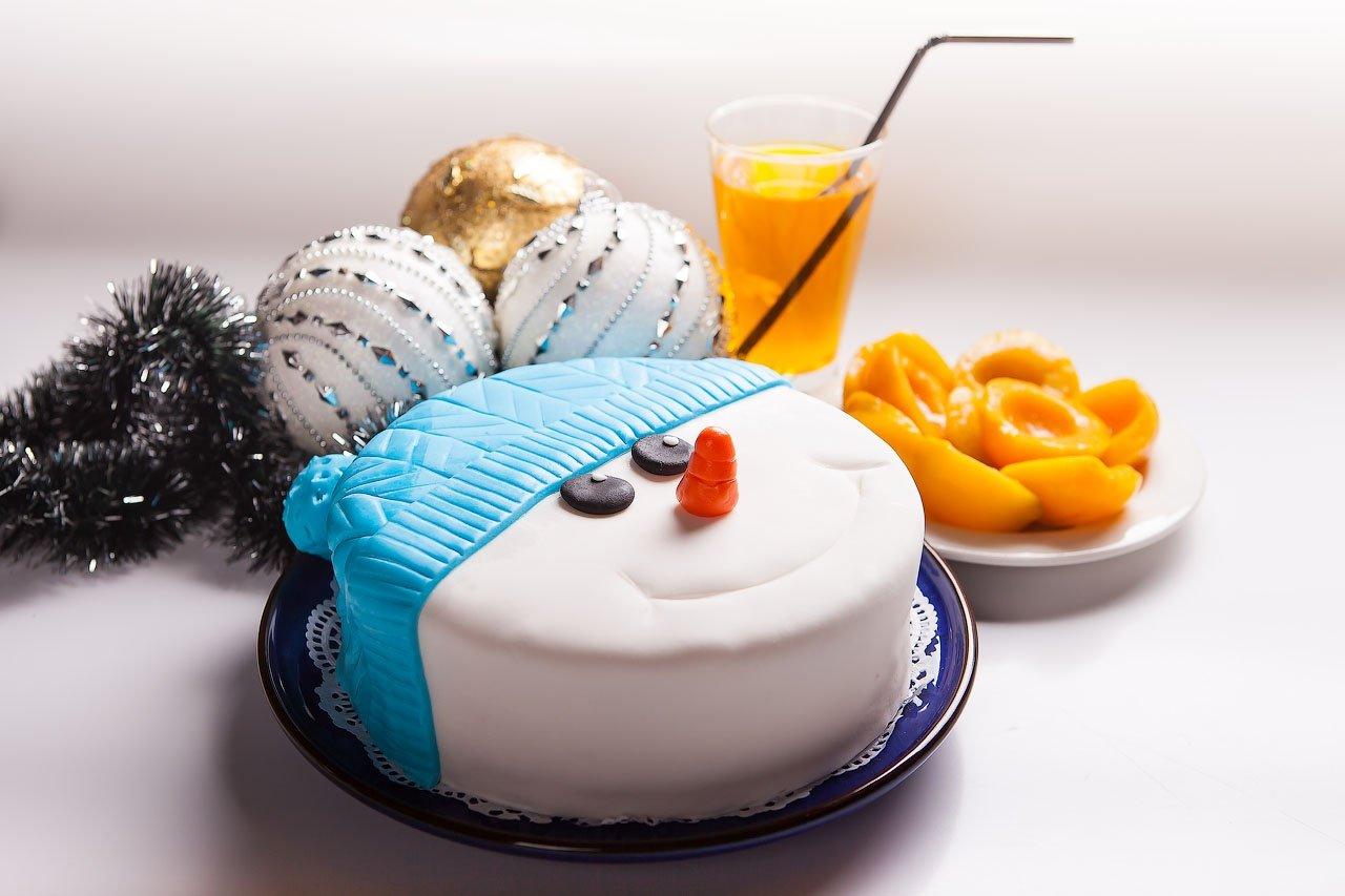 Бисквитный торт на новый 2021 год, рецепт вкусных домашних тортов