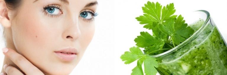 Маска из петрушки для лица: отбеливающая от пигментных пятен в косметологии, как приготовить сок в домашних условиях – рецепт