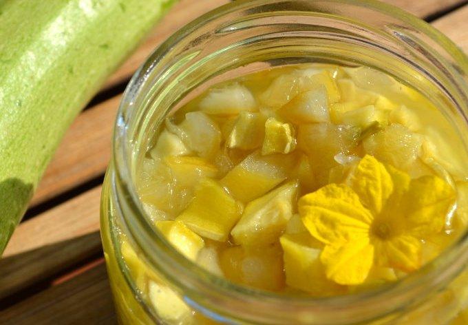Кабачки под ананасы: оригинальный рецепт закрутки на зиму
