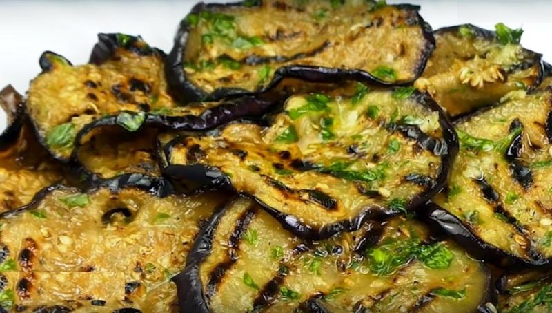 Маринованные баклажаны с чесноком и зеленью на зиму: как мариновать, рецепты отварной закуски