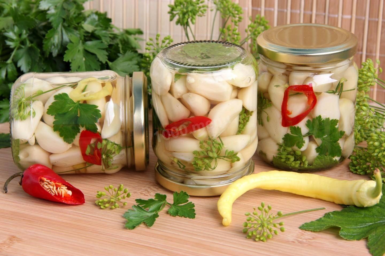 Маринованный чеснок (маныль джангаджи). лучшие рецепты маринованного чеснока зубчиками и целыми головками, как на рынке, на зиму в банки. как быстро и вкусно приготовить маринованный чеснок на зиму по-корейски, по-грузински, со свеклой, с красной смородин