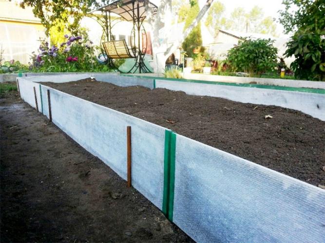 Забор эконом вариант на даче своими руками: варианты и фото
