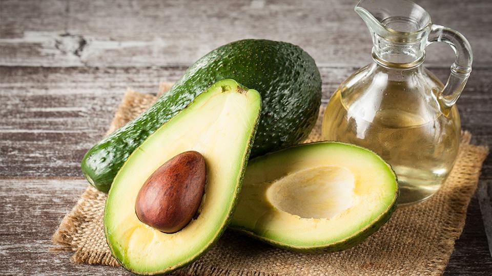 Масло авокадо для еды: польза и вред, химический состав, калорийность, применение