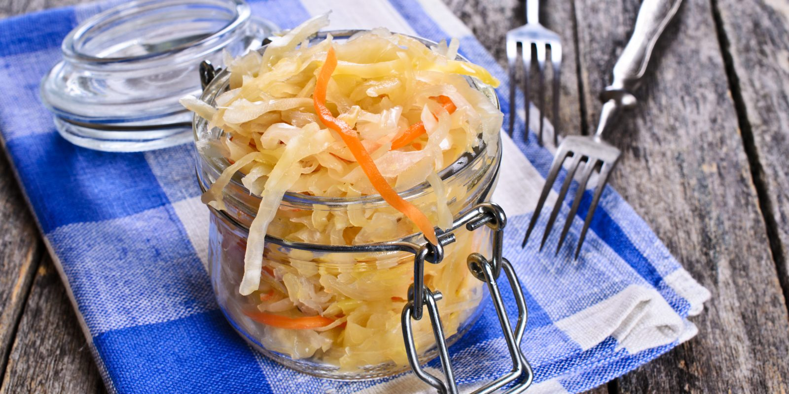 Маринованная капуста на зиму в банках: 11 лучших рецептов очень вкусной капусты