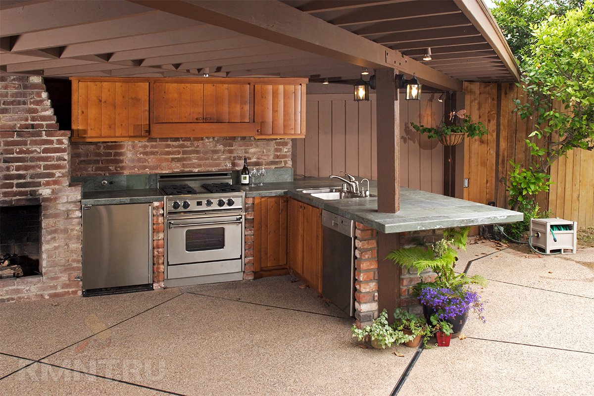 Простая летняя кухня своими руками: 6 практичных проектов