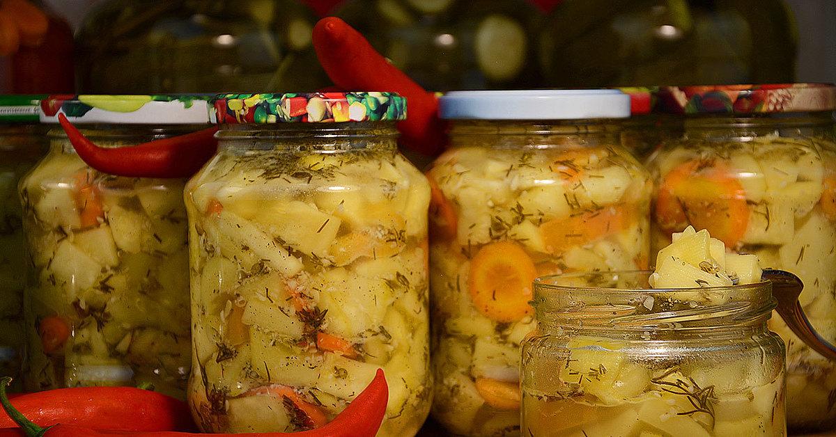 Консервирование кабачков на зиму в банках. 7 самых вкусных рецептов хрустящих кабачков