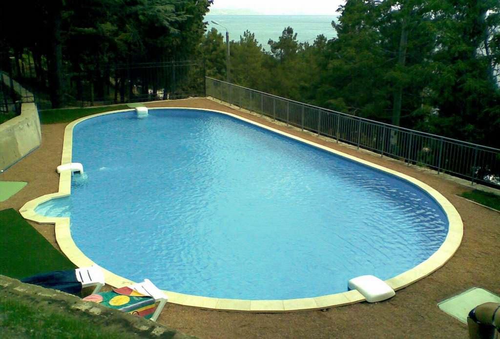 Каким может быть слив воды из бассейна