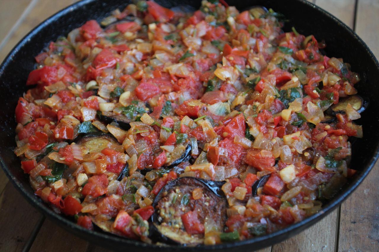Имам баялды: рецепт блюда с фото, а также, как приготовить баклажаны на зиму в банках, с мясом и по-турецки