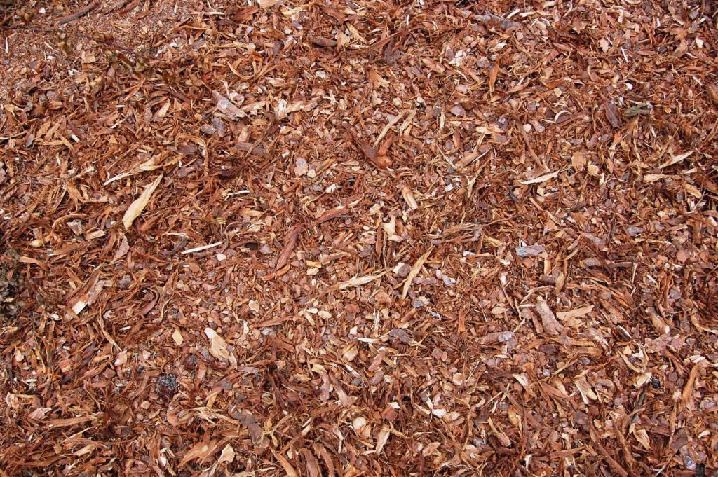 Как использовать солому на даче, в огороде, в строительстве и других сферах: способы применения осенью, весной, преимущества использования данного материала