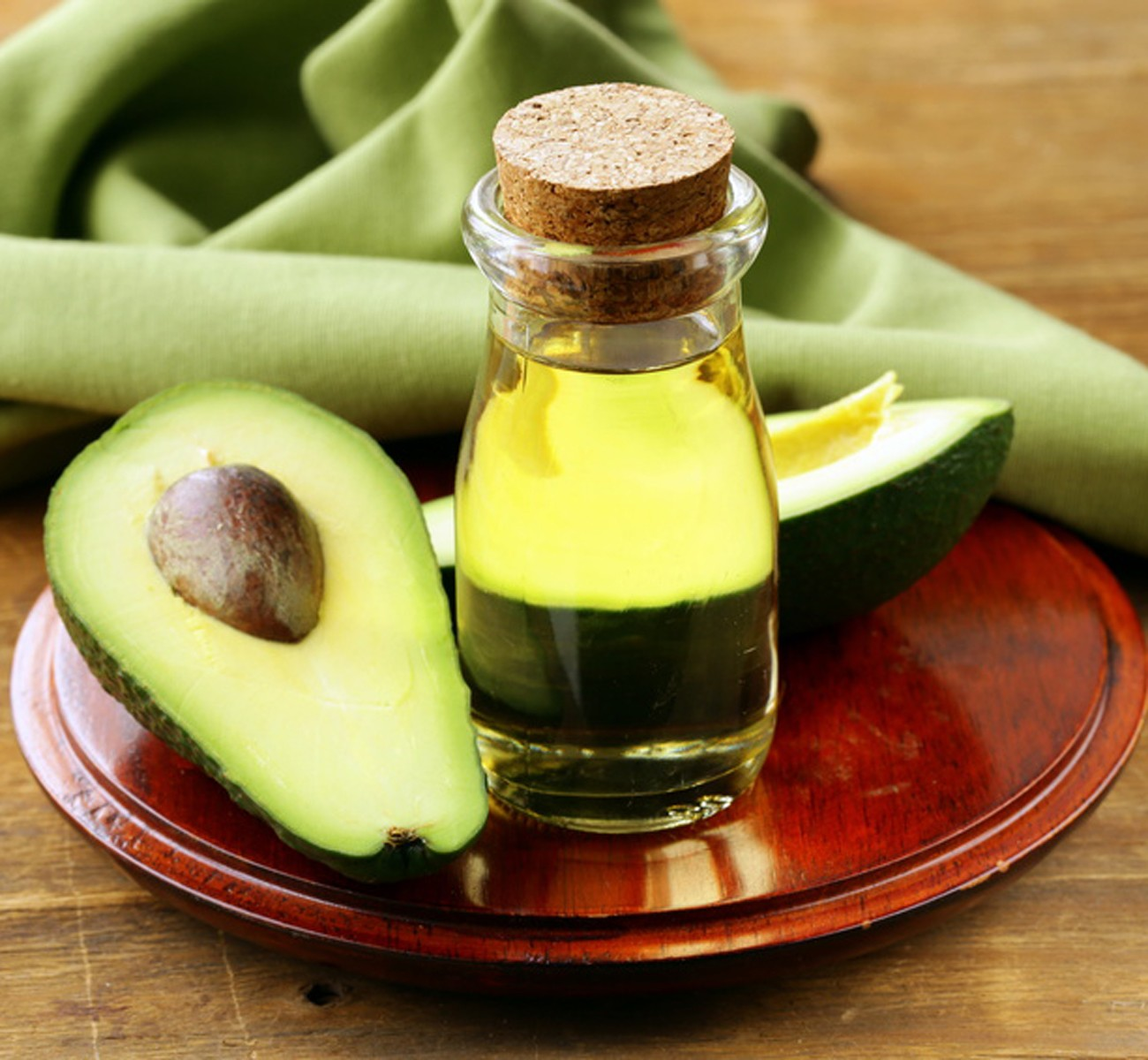 Масло авокадо - польза и вред, лечебные свойства и рецепты
