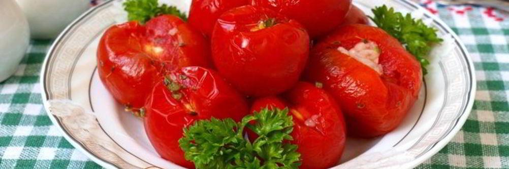 Малосольные помидоры быстрого приготовления: с чесноком и зеленью, в пакете и в кастрюле