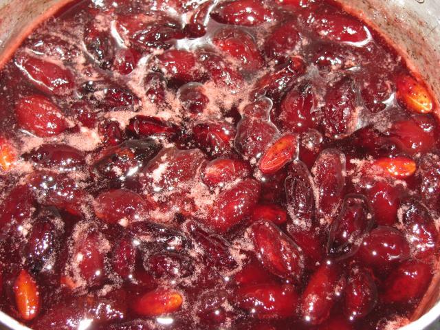 Варенье из кизила с косточкой и без: как варить, 7 рецептов в домашних условиях с фото