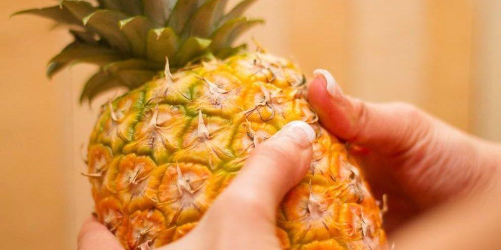 Как выбрать спелый, сладкий и сочный ананас правильно