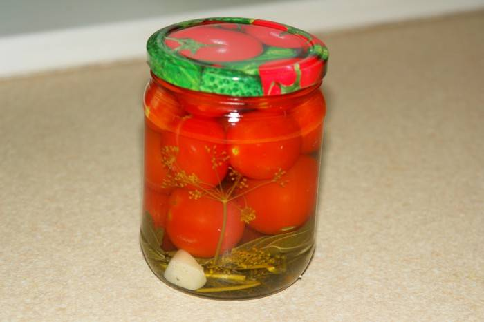 Вздулись банки с помидорами: что делать и как спасти закатки, причины проблемы