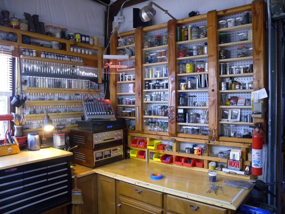 Обустройство гаража внутри: планировка, идеи с фото