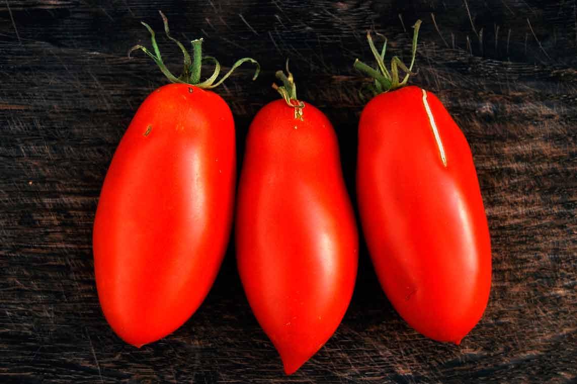 Томат банановые ноги: описание сорта, отзывы, фото, урожайность   tomatland.ru