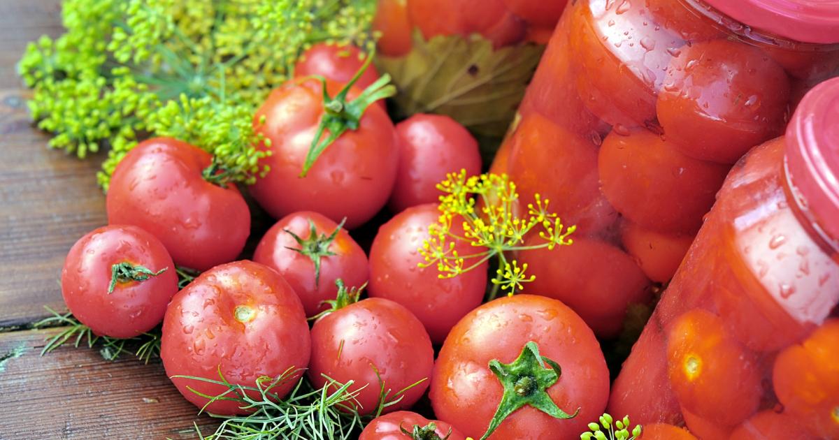 Закатка помидор на зиму: сладкие рецепты