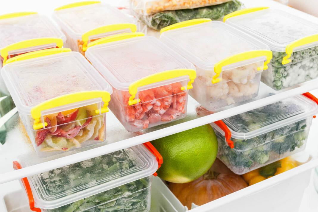 Как заморозить в домашних условиях свежие шампиньоны в холодильнике на зиму и можно ли