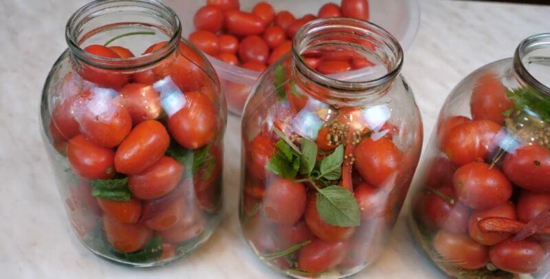 Через сколько можно есть маринованные помидоры после закатки