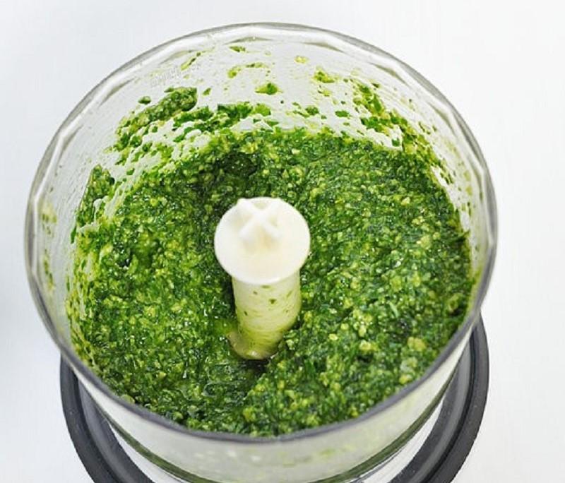 Классический рецепт песто с базиликом на зиму в домашних условиях, хранение консервации
