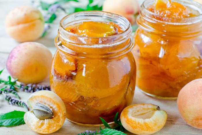 Как варить абрикосовое варенье на зиму дольками, с косточками, через мясорубку без сахара, с апельсином? рецепты повидла и варенья из абрикосов «пятиминутка» с пошаговым приготовлением и фото | qulady