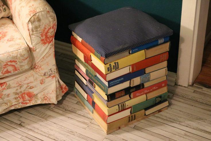 Старые доски (52 фото): что можно из них сделать? мебель в интерьере, текстура досок и укладка дорожек на даче, полки из древесины и столешницы, другие поделки