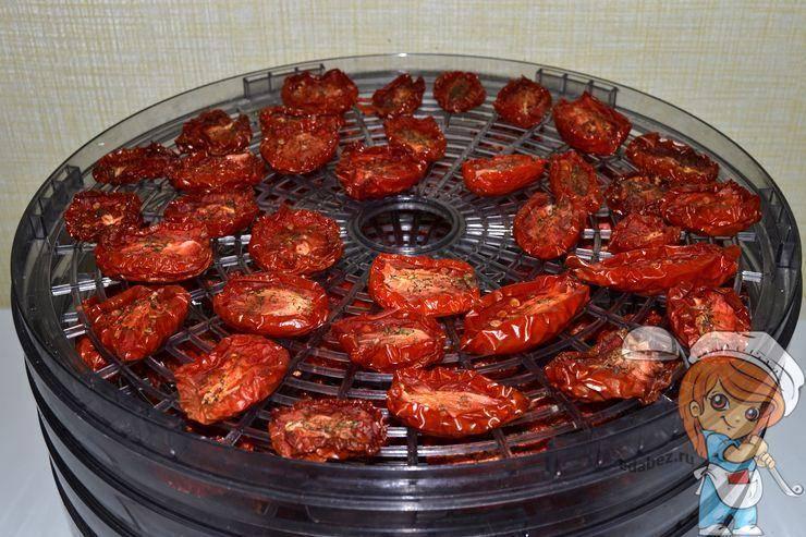 Вяленые помидоры в домашних условиях — рецепт приготовления в электросушилке