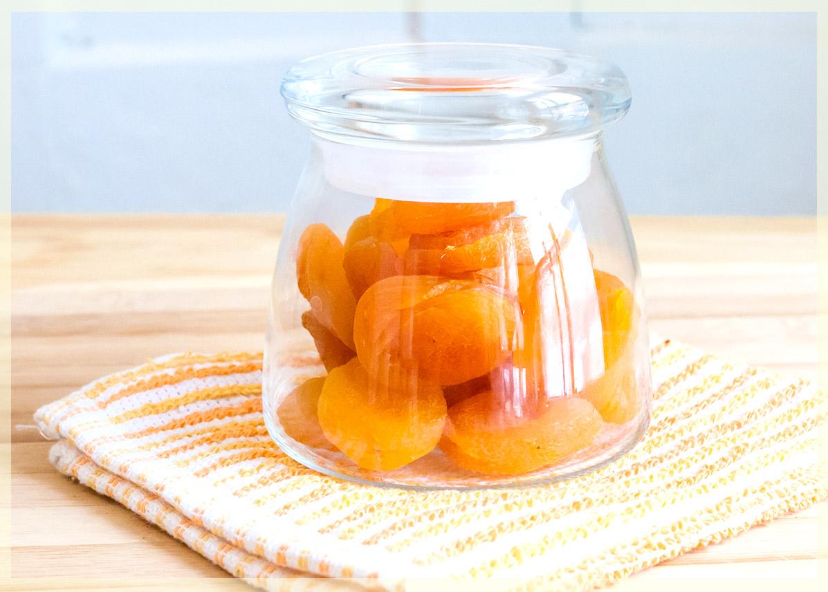 Сбор и хранение абрикос в домашних условиях