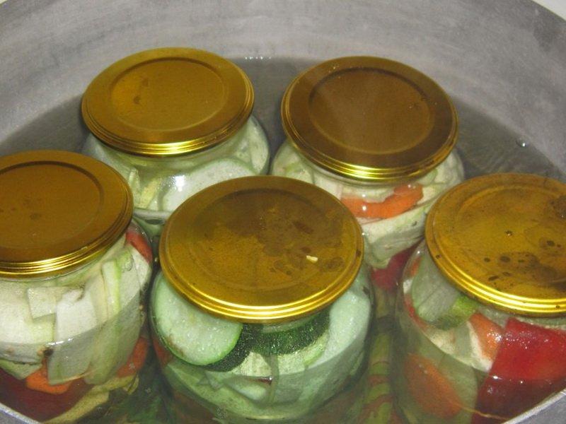 Причины помутнения консервации помидор и огурцов, как спасти заготовку и что делать чтобы рассол оставался прозрачным