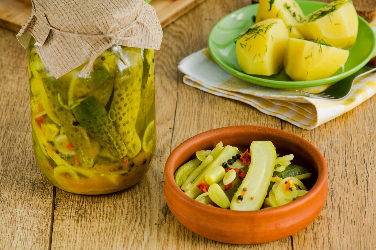Маринованные огурцы с яблоками на зиму, рецепт