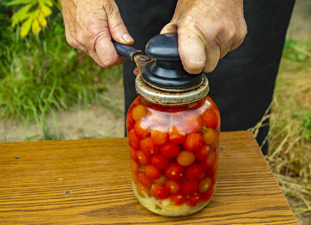 В бочке перекисли помидоры что делать