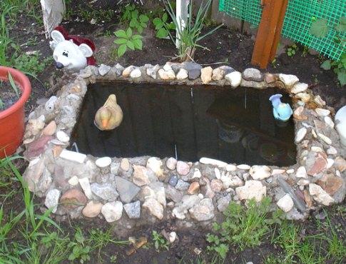 Декоративный пруд на даче: как сделать своими руками и идеи по оформлению