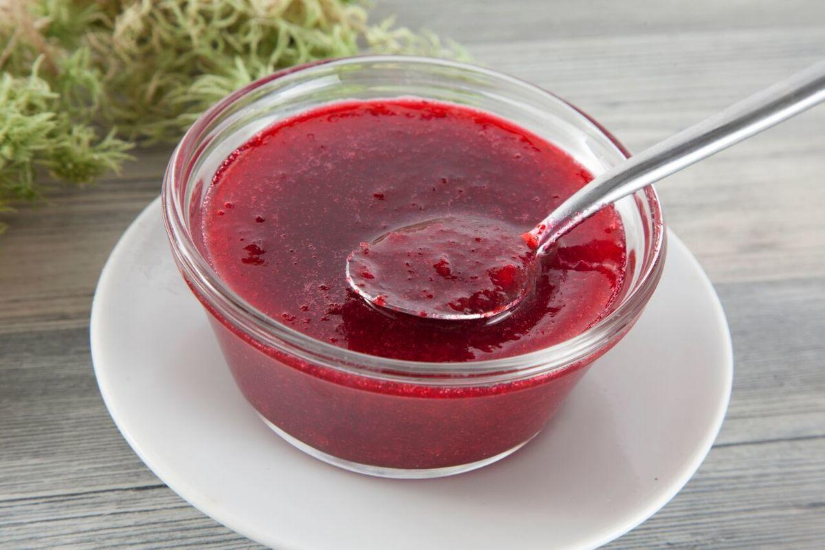 Брусника протертая с сахаром на зиму: рецепты