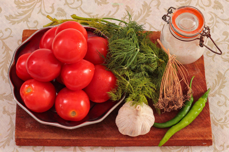 Салат на зиму помидоры с луком - ароматная закуска и идеальная зимняя заготовка: рецепт с фото и видео