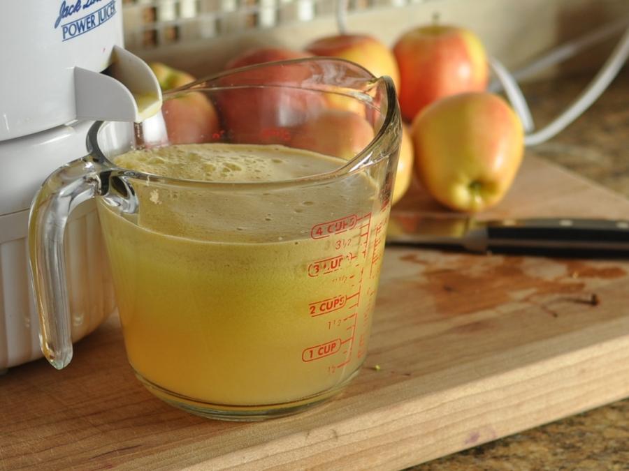Тыквенно-яблочный сок на зиму: топ 6 пошаговых рецептов приготовления, хранение