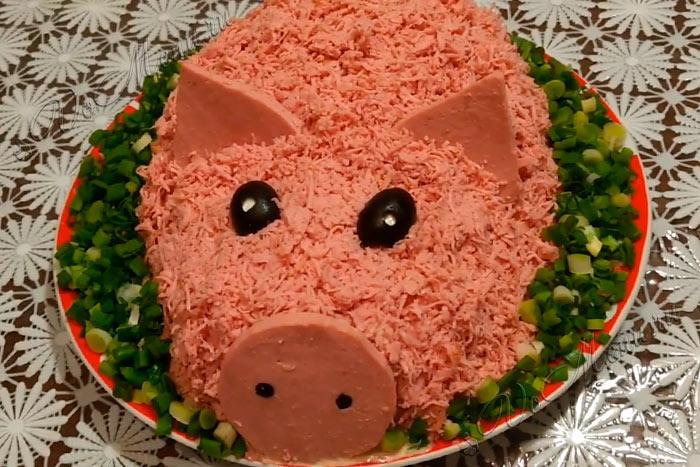 Салаты на новый 2019 год. что готовить новое и интересное в год свиньи