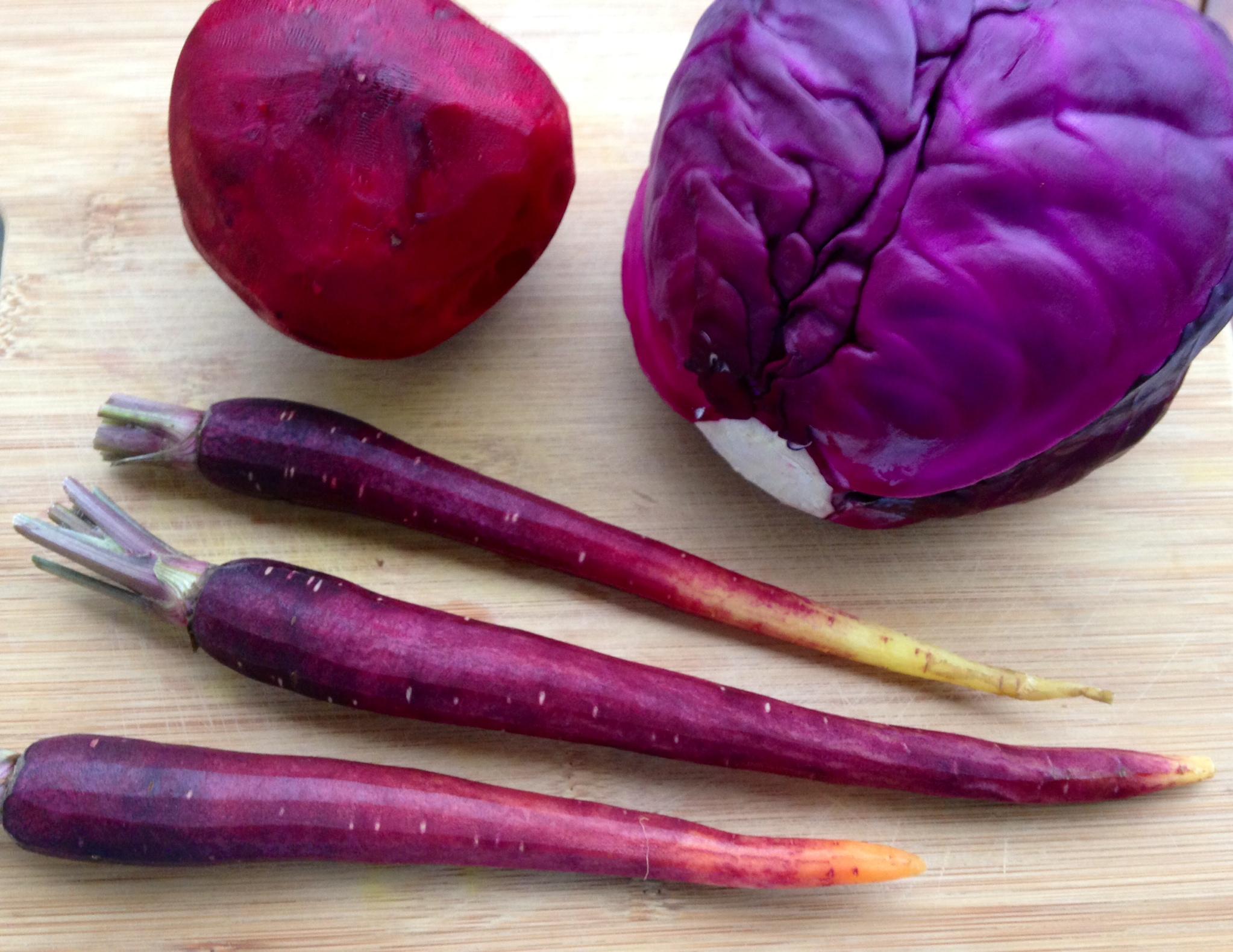 Морковь изначально была фиолетовой.. какого цвета изначально (до селекции) была морковь? | дачная жизнь